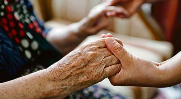 Порядок оформления выплат по уходу за инвалидами и пожилыми упрощен